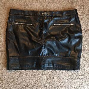 VS black leather skirt